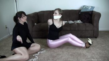 Cobie and Elizabeth Andrews : Double Crossed by Her Roommate