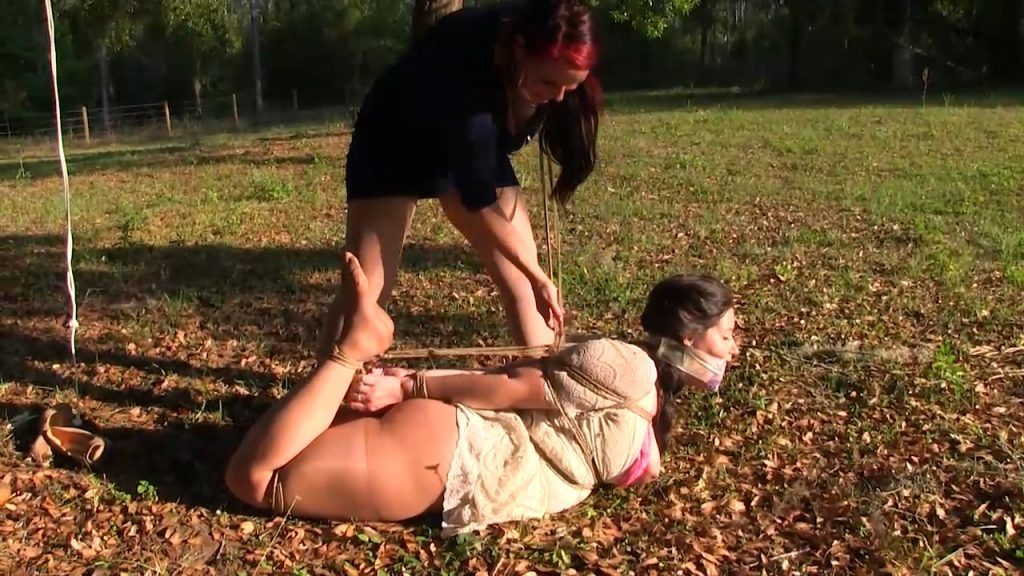 Gagged with her hair outdoors and then – Summer Peters, JJ Plush – Born to be Bound