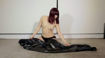 RS-119 Movie – Sleepsack Total Enclosure – Mina