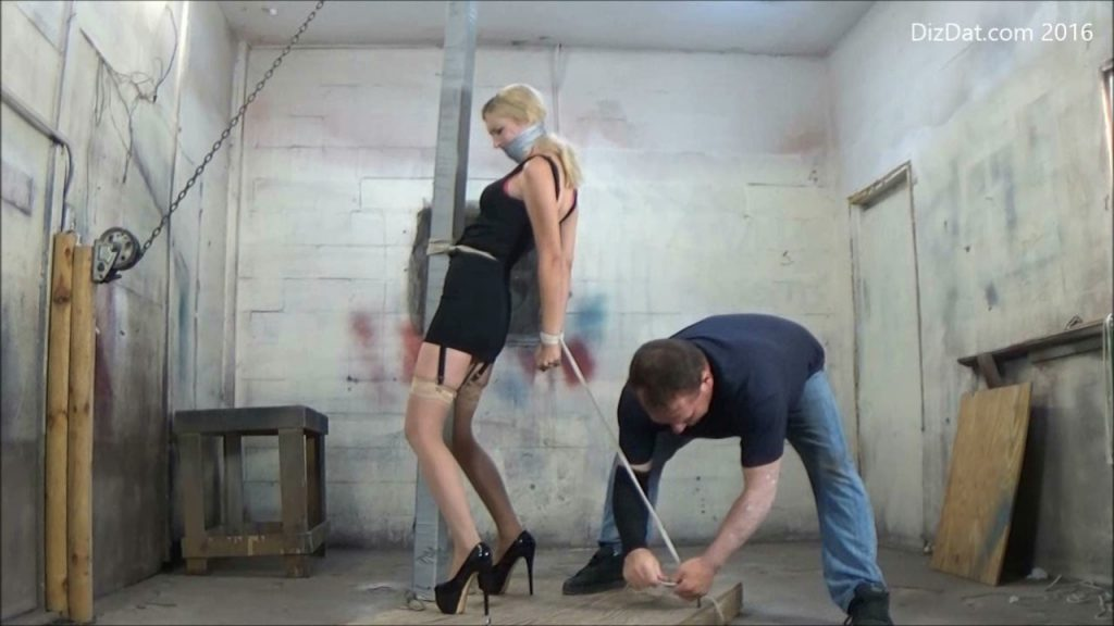 Sidnay Adams : Get out when you can hd – Bondage by Anthony Peters