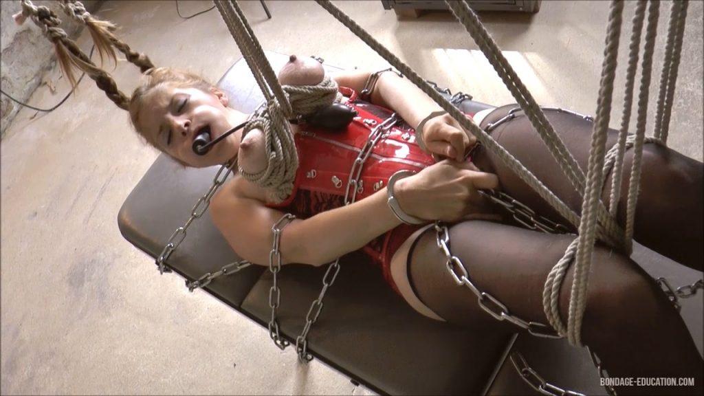 Pulling Little Lilly's Strings – Mistress Roxanne Fox & her girls (Bondage-Education)