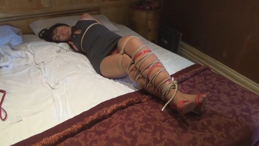 SHOPPING SPREE IN ROME – MILF GiGi's Bondage Fantasies