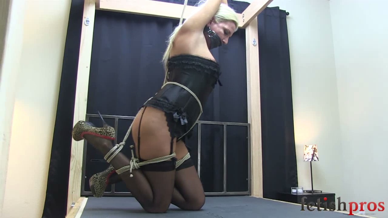Jessica Struggling in Rope Bondage
