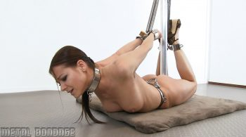 Melisa Mendini – spring action – Metal Bondage