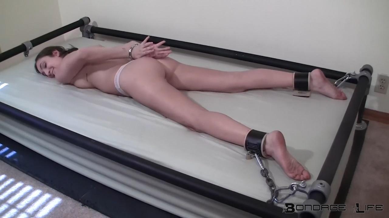 Brynlee Nelson_Bondage Bed Struggles