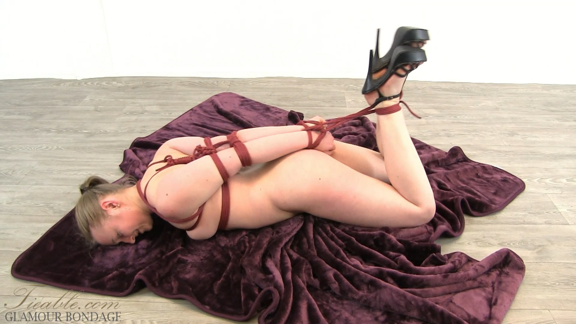 Kerry_bondage talent