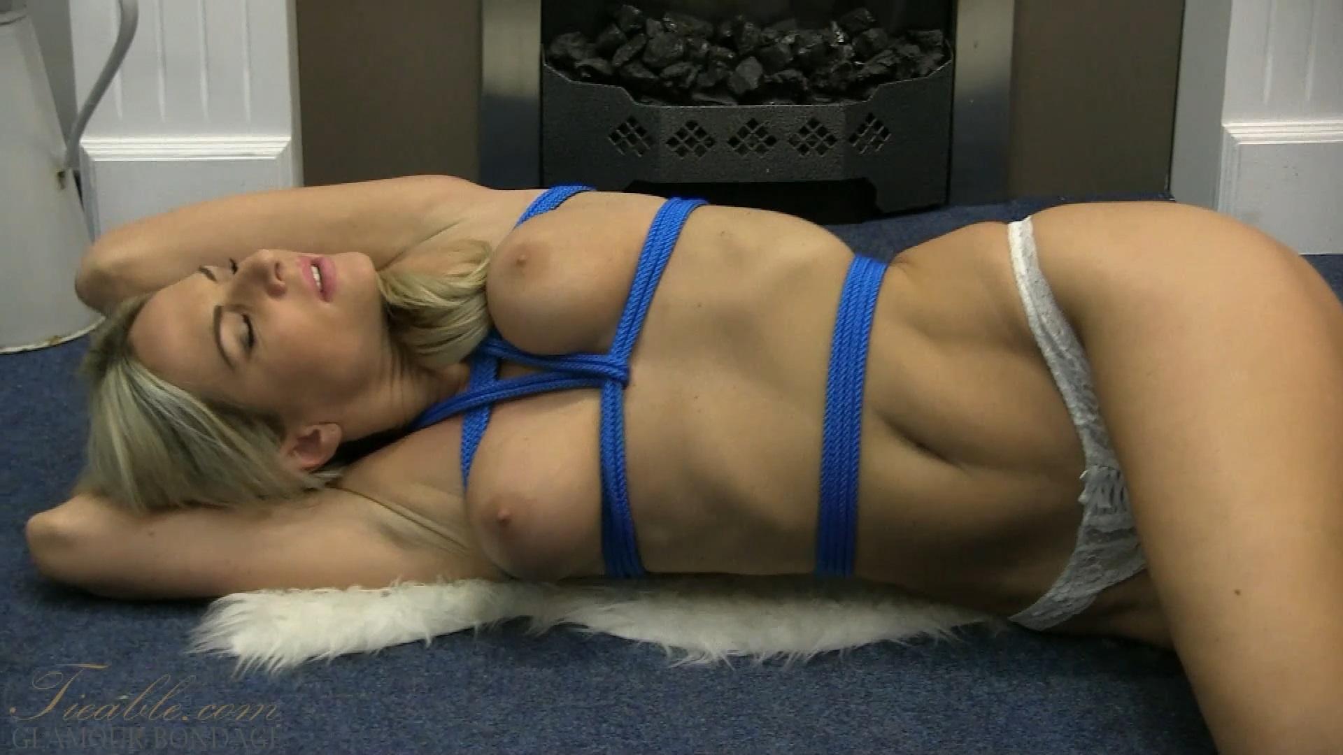 Tiffany_overhead bondage