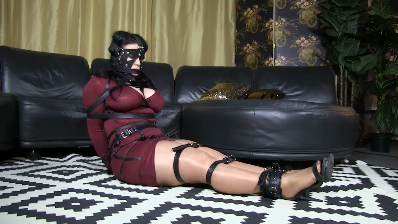 Dominica in leather