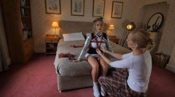 Behind The Scenes: Shooting The Cheerleader – Restrained Elegance