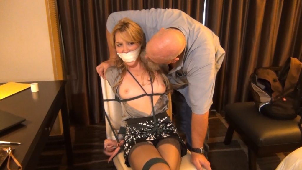Janira: Looking in the Wrong Place – Bondage by Ivan Boulder