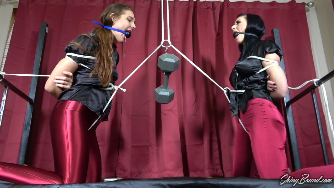 Sadie Holmes and Nyxon Crotch Rope Tug O'Wa
