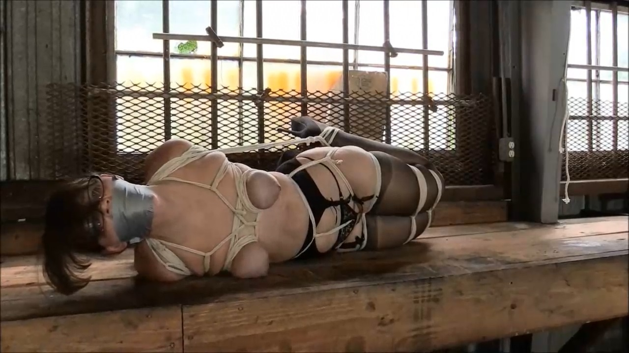 She Takes On A Hogtie For The First Time