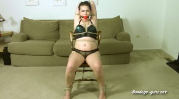 Amanda Marie – Cam Girl's Self Bondage Surprise! – Cinched and Secured