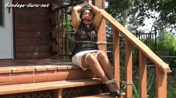 Je C – Porch Bound – Cinched and Secured