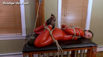 Naomi vs. Her Gravity Hogtie – BondageJunkies Clips