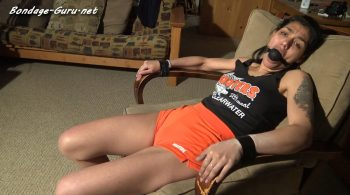 Hooters Girl Tara – Ass Legs Thighs and Ties