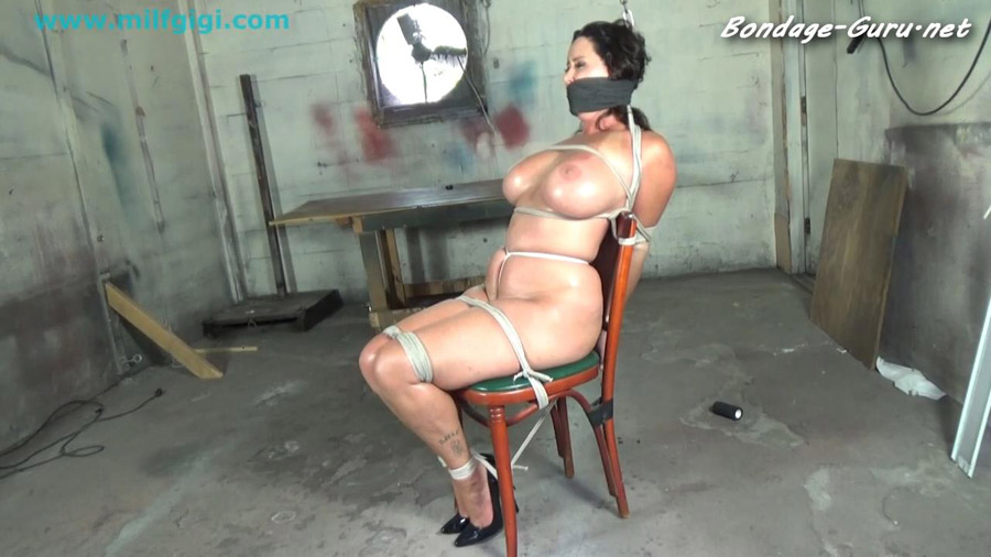 Christina Carter naked bound & abandoned