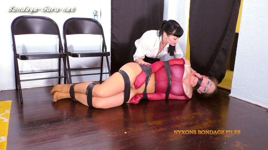 Terra Mizu_Kinky Mall Cop Teaches Pantyhose Thief A Lesson