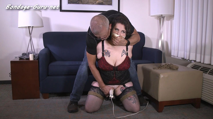 His naughty niece wanted him to tie her up so she could ride him hard