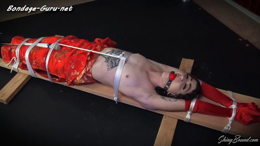 Glamour Girl Tied and Vibed