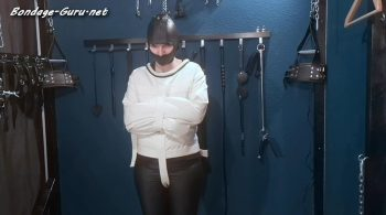 Fetish Fans – The slave in the new straitjacket