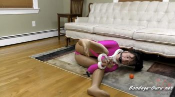 BondageJunkies Clips – Amy vs. Her Twisted Fiddle